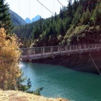 Diablo Lake Trail suspension bridge