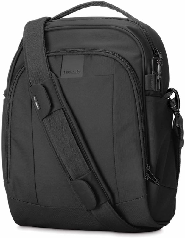 Cut proof laptop bag for travel